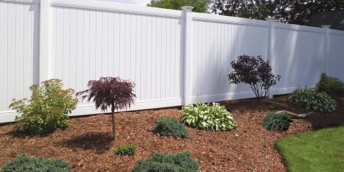 New Vinyl Privacy Fence - Free Estimates